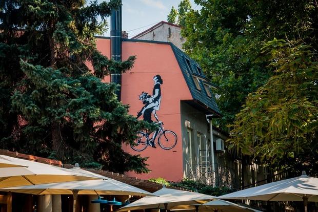 Секс на велосипеді навпроти СБУ: пікантна подія відбулася в Одесі