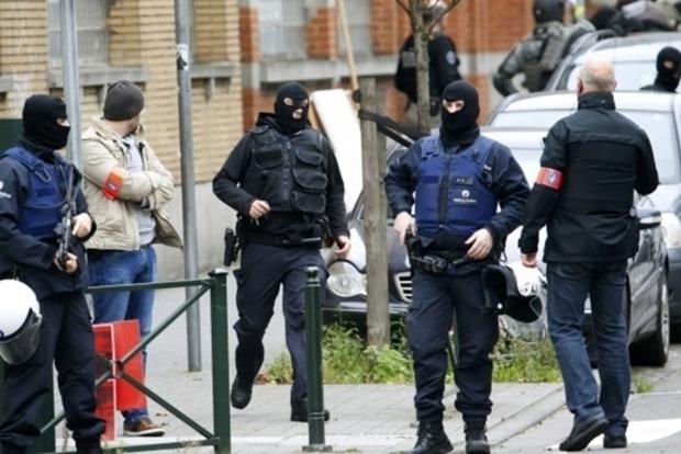 Во Франции продлили чрезвычайное положение до 15 июля