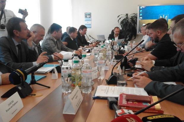 Луценко: Нардеп Лозовой обвиняется в неуплате 1 млн 700 тыс. грн налогов