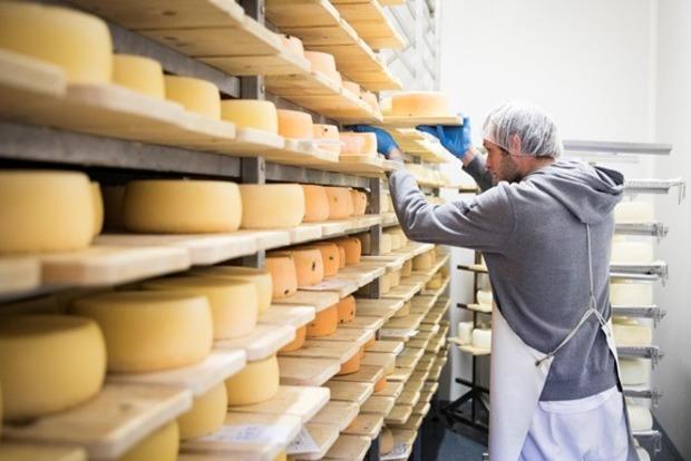 Россия обвинила Беларусь в поставках украинского сыра