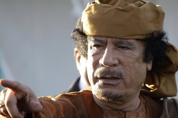 Опубликовано ранее неизвестное видео последних минут жизни Каддафи
