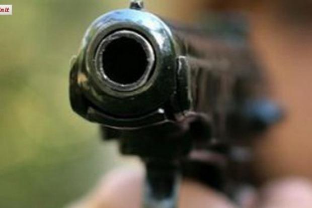 В Киеве пассажир выстрелил в лицо таксисту