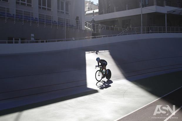 Киевлянка установила рекорд по скорости езды на велосипеде