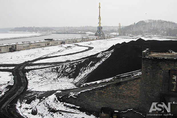 Перекроили рынок угля и обогатили РФ. Чем обернулась для Украины блокада Донбасса