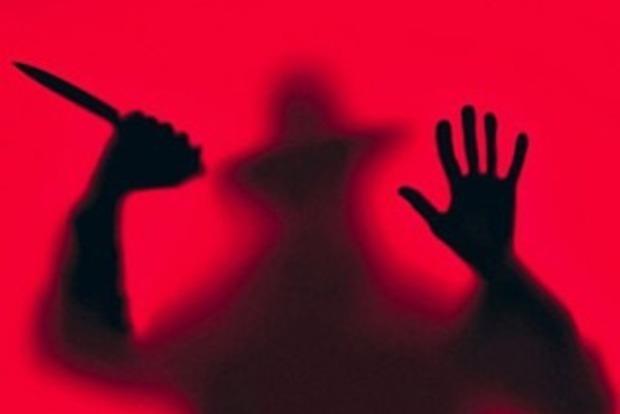 Схватил за руки и потащил в темное место: в Запорожье разыскивают маньяка, напавшего на девочку