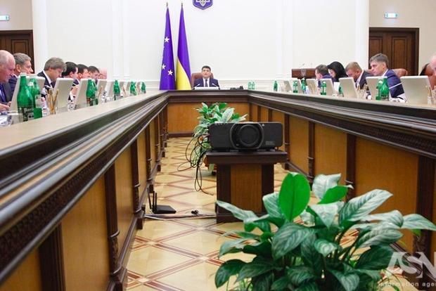Правительство утвердило план мероприятий по чествованию героев Революции Достоинства