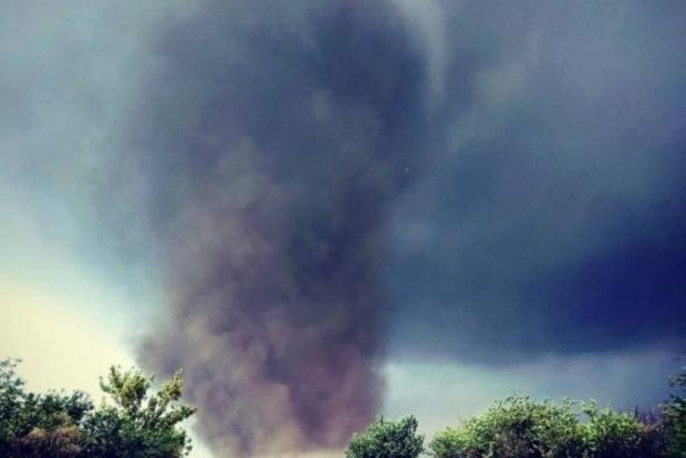 Це навіть не смерч, справжній торнадо пронісся Херсонщиною (фото, відео)