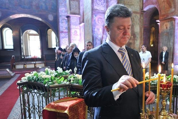 В Московском патриархате припомнили, как Порошенко у них служил, пока не переметнулся