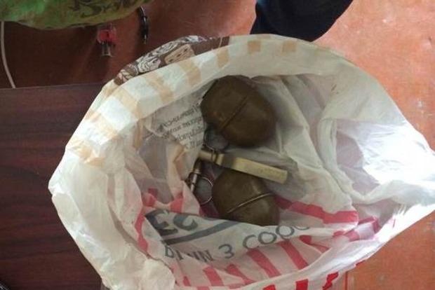 В Ровненской области военные продавали оружие преступникам
