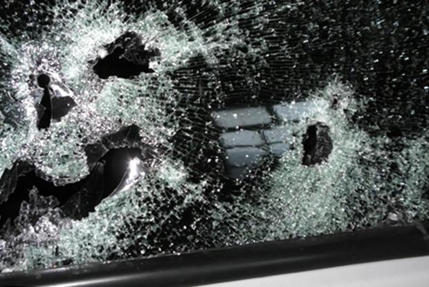 В Днипре в машине охраны расстреляли предпринимателя: объявлен план «Перехват»