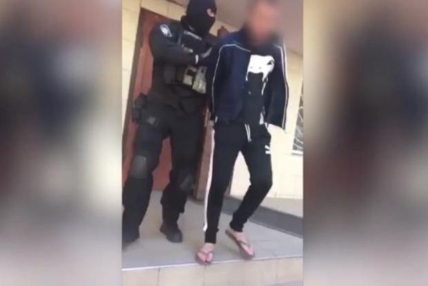В Одессе подростки с ножом напали на нацгвардейца, пострадавший в реанимации