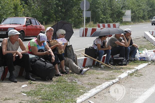 Половина переселенцев на подконтрольной территории Донбасса нигде не работает