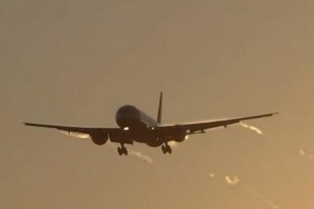 Забули в Києві. Літак YanAir привіз туристів в Грузію без багажу