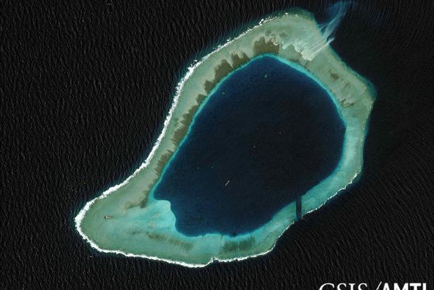 Корабль ВМС США приблизился к спорной территории в Южно-Китайском море