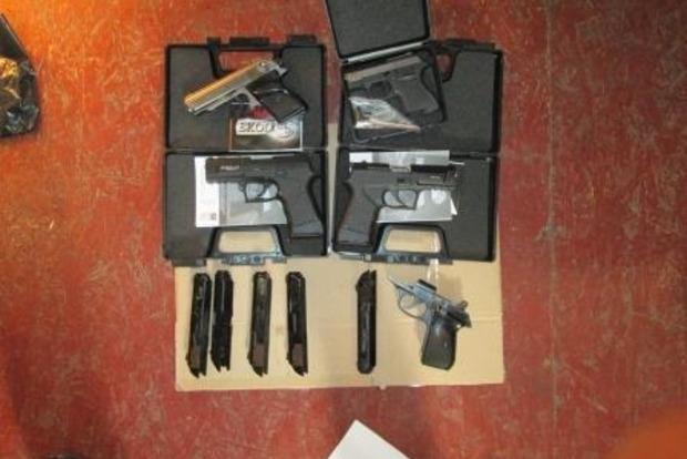 У Дніпрі затримали злочинну групу за виробництво та збут зброї