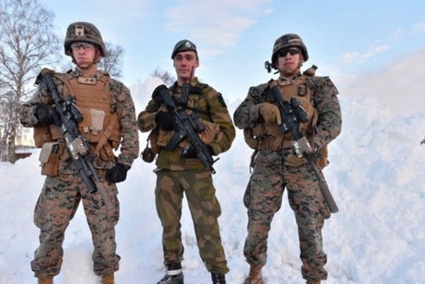 В Норвегию прибыло 300 морских пехотинцев США