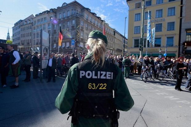 Немецкая полиция разоблачила огромную преступную сеть