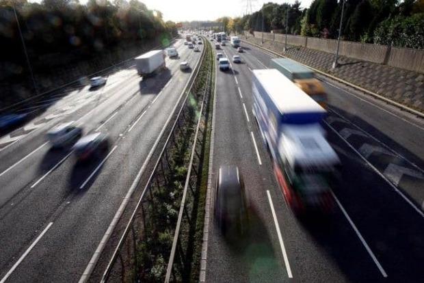 Автомагистрали Британии покроют туннелями, улавливающими выхлопы
