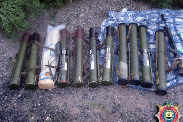 В Донецкой области нашли очередной тайник с оружием