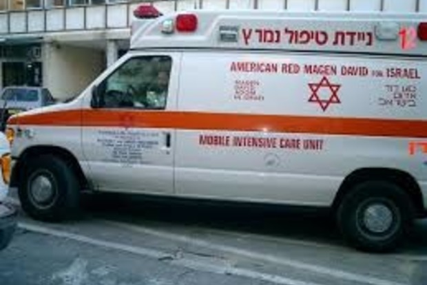 В Тель-Авиве автомобиль врезался в пешеходов