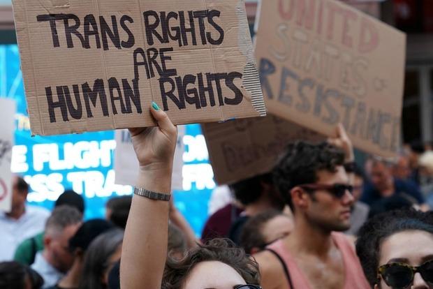 Суд вСША заблокировал запрет Трампа наслужбу трансгендеров вармии