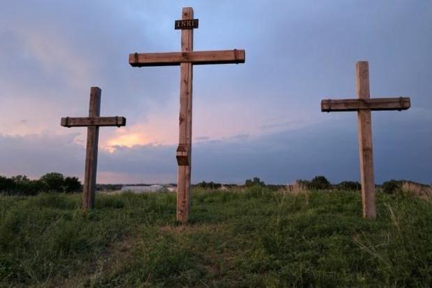 Под Севастополем на могиле неизвестного солдата построили дом