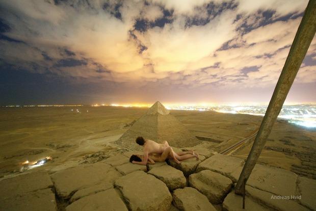 Туристы из Дании занялись сексом на вершине пирамиды Хеопса (18+)