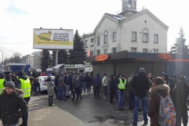 Полиция обыскивает офис Национального корпуса