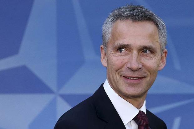Столтенберг обсудит с Лавровым ситуацию в Украине и Крыму