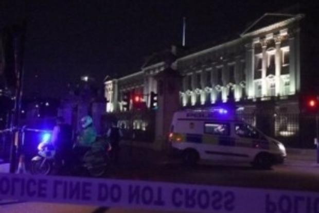 Нападение на сотрудников полиции в центре Лондона расследуют как теракт