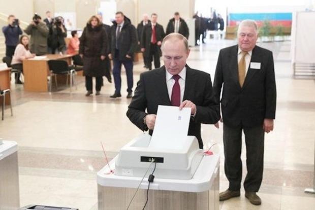 Путин проголосовал на выборах президента России