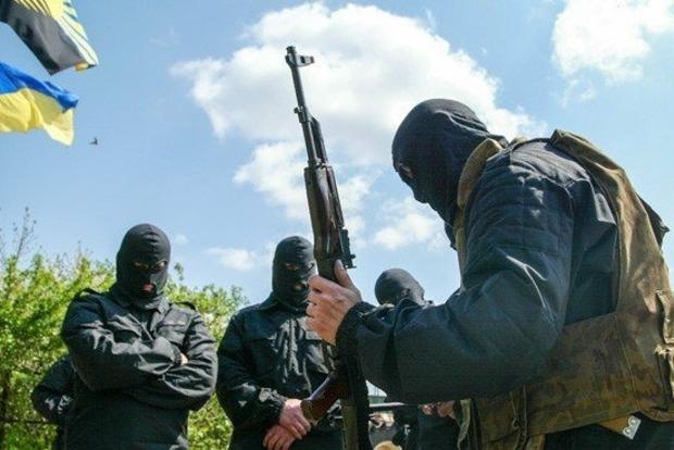 Боевики подорвали машину ВСУ на Донбассе: есть жертвы