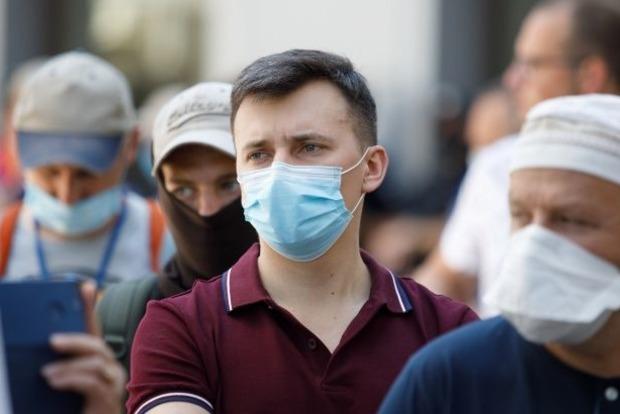 Эпидемиолог предупредил о тотальном усилении карантина в Украине