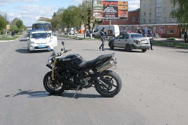 В Хмельницком произошло ДТП: травмированы два человека