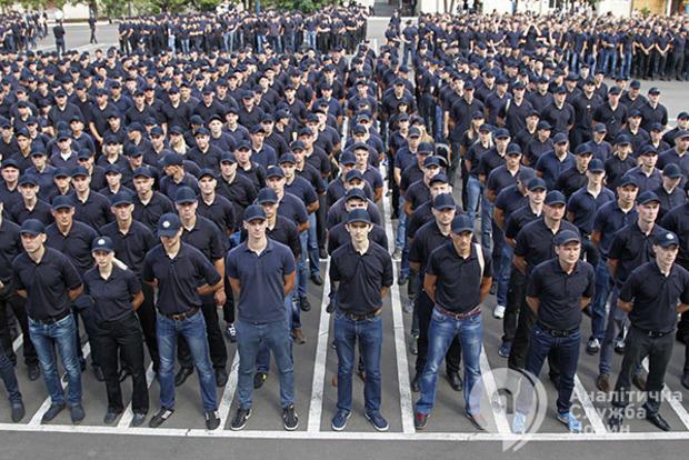 Пожалейте патрульных: в полиции назвали причину массовых увольнений