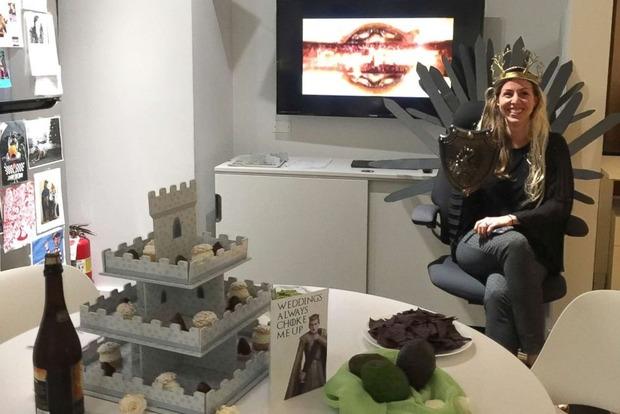 Девичник в стиле «Игры престолов» организовали коллеги для американской невесты