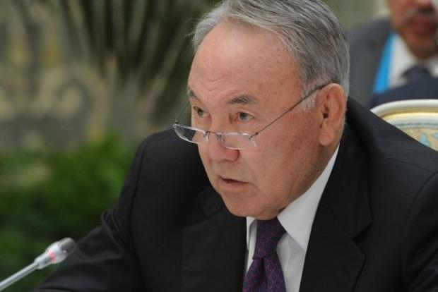 Назарбаев хочет примирить Украину и РФ