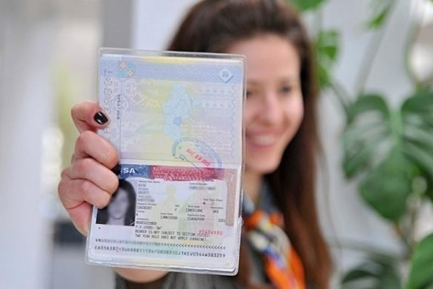 В США усложнили процедуру выдачи виз. Что поменялось