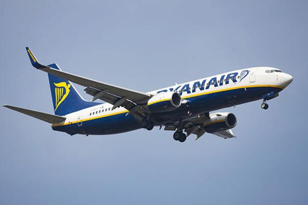 Экипаж Ryanair спит на голом полу в аэропорту из-за равнодушия руководства