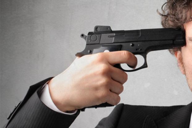 В бизнес-центре Ровно застрелился мужчина