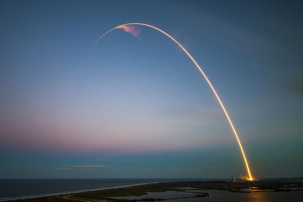 В SpaceX показали все успешные приземления ракеты Falcon 9