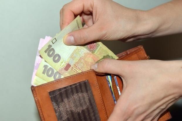 Блокирование закона о спецконфискации не помешает Кабмину повысить минималку до 3200 грн