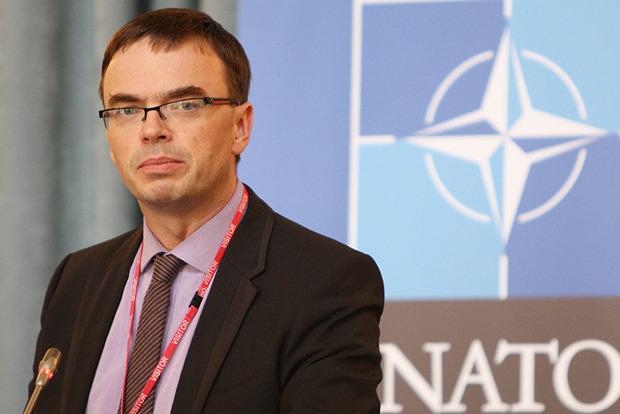 Порошенко и глава МИД Эстонии обсудили введение миротворцев ООН на Донбасс