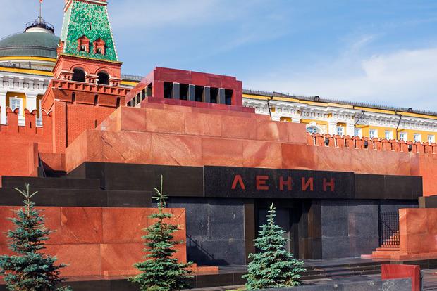 В Москве «заминировали» мавзолей Ленина, но эвакуировать его не захотели