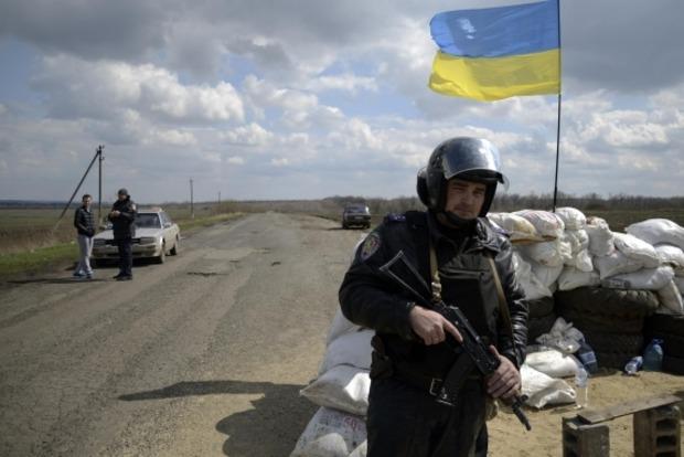 Три блокпоста в Луганской области переведены на круглосуточный режим работы