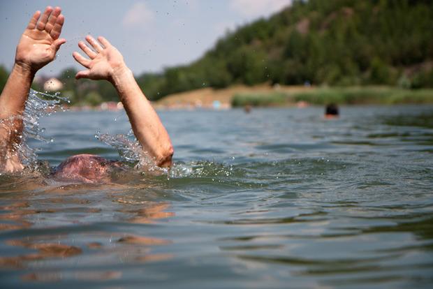 Загадкове утоплення: на Кіровоградщині вставку виявили 4 тіла