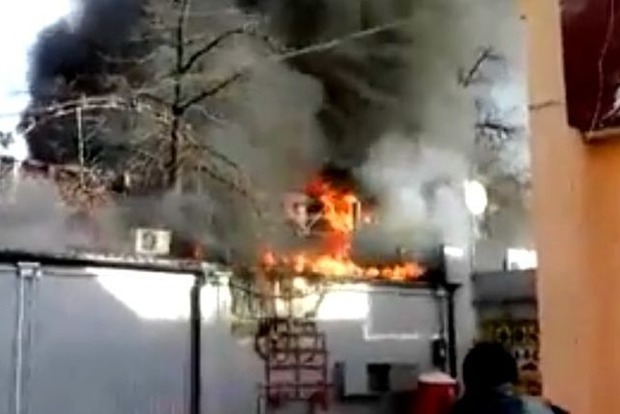 В Борисполе горел рынок «Зоряный»