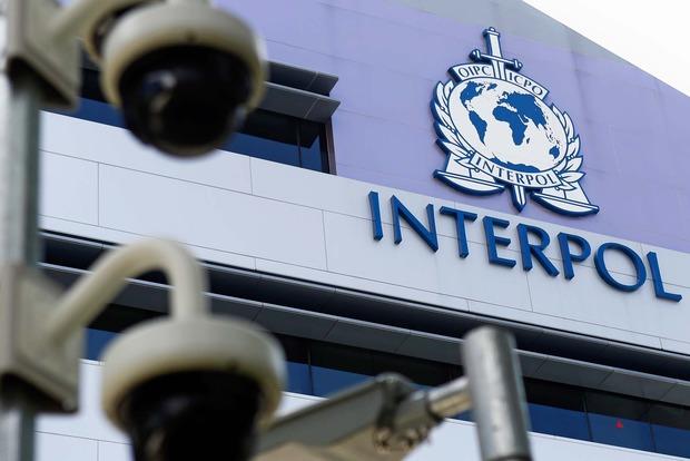 Почти две тысячи украинцев разыскиваются Интерполом
