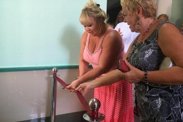 Перерезали ленту: в Херсоне с помпой открыли туалет в драмтеатре