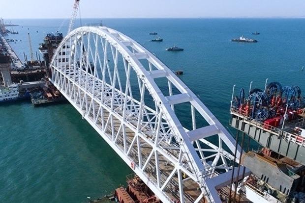Может развалиться. Крымский мост закроют для грузовиков